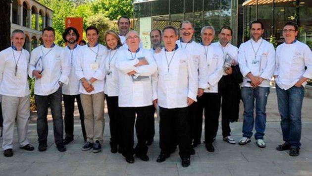 La asociación de cocineros Euro-Toques, reconocida como embajadora del aceite en la III Fiesta del Primer Aceite de Jaén