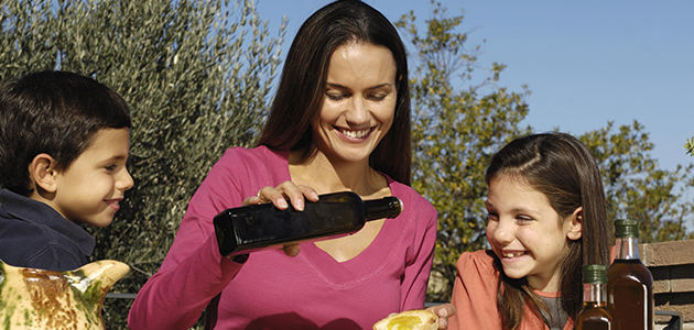 El consumo de aceite de oliva ha caído 1,4 litros por persona durante los últimos cinco años
