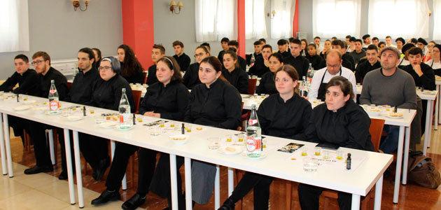La DOP Montes de Toledo da a conocer su AOVE en Cantabria